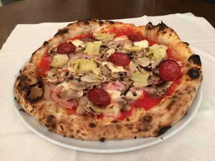 Pizza Completa 7.00 €