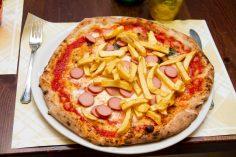 Pizza Wurstel e Patatine 5.50 €