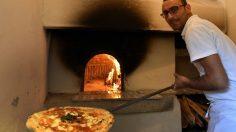 Unesco: l'arte del pizzaiolo napoletano diventa patrimonio dell'umanità